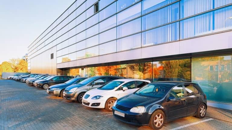 まとめ:法人名義の車は通常の自動車保険でカバー